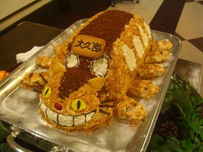 ghibli-wedding-cake