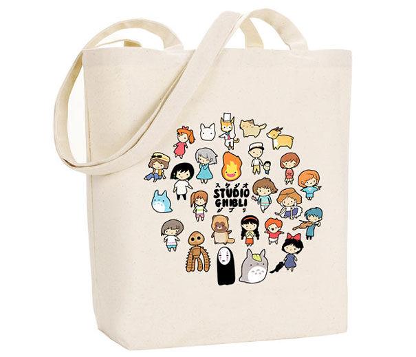 62fb6313cb06 25 idées cadeaux pour les amoureux de Studio Ghibli