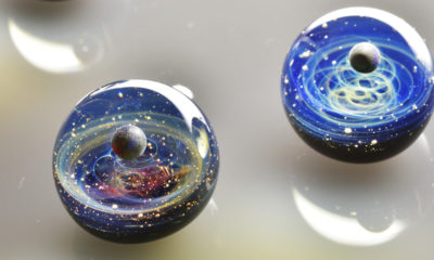uchu-glass-pendantif-artisan-japonais-espace