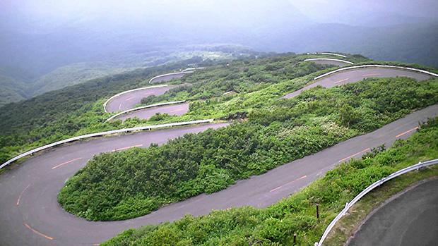 Tsugaru-Iwaki-Skyline-aomori