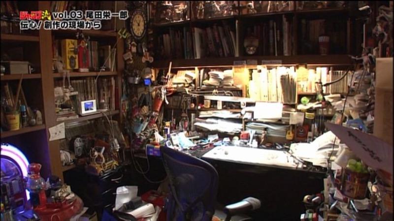 L environnement de travail parfois très bordélique des mangaka