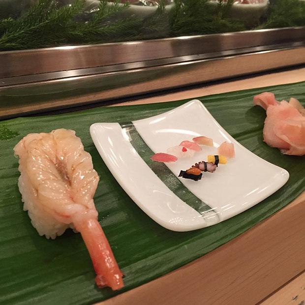 mini-sushi-restaurant-tokyo-asakusa (1)