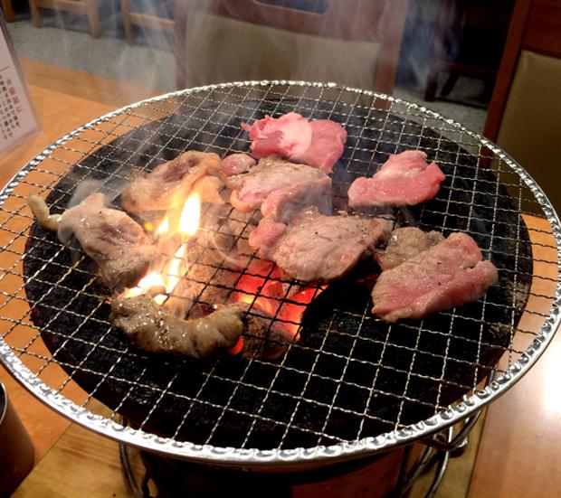 restaurant-yakiniku-pas-cher-tokyo-tourisme (1)