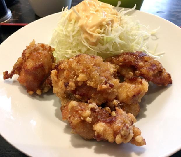 restaurant-buffet-poulet-frit-japon-tokyo (1)
