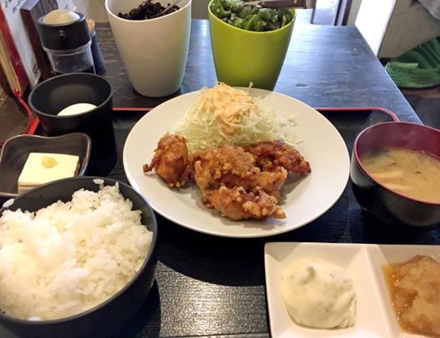 restaurant-buffet-poulet-frit-japon-tokyo (4)