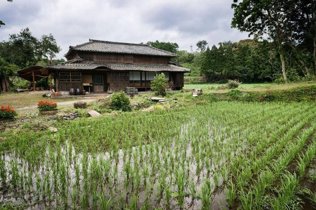 Avec autant de choses à faire, il est bon d'avoir un camp de ralliement et cette ferme traditionnelle possédant 4 salles de bains et 7 chambres pouvant accueillir jusqu'à 30 personnes (dans 26 lits) semble idéale.