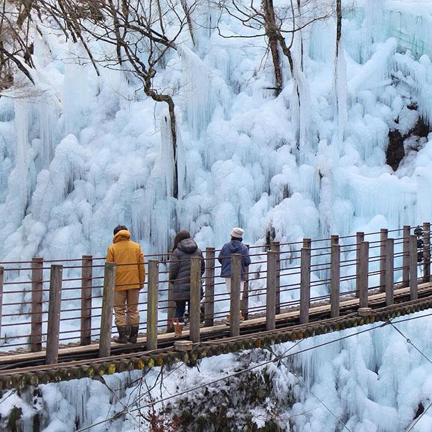 stalactites-Onouchi-Hyakkei-saitama-Japon (1)