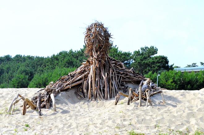 ordures-nausicaa-de-la-vallee-du-vent-miyazaki-ghibli-plage-monstres-beach (2)